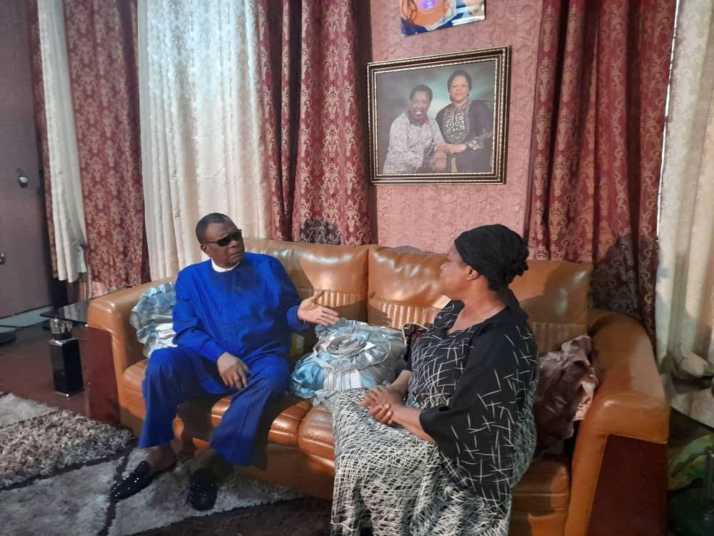Prophet Abiara Visits TB Joshua's Widow 1
